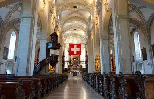 琉森 St. Leodegar 教堂